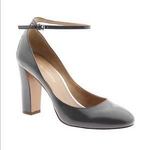 BANANA REPUBLIC | Mary Jane Patent Block Heels